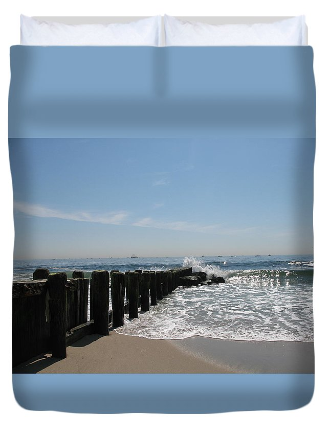 Breakwater Duvet Cover featuring the photograph Breakwater II by Christiane Schulze Art And Photography