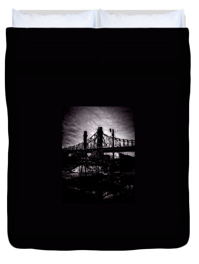 Nyc Duvet Cover featuring the photograph Bridge by H James Hoff