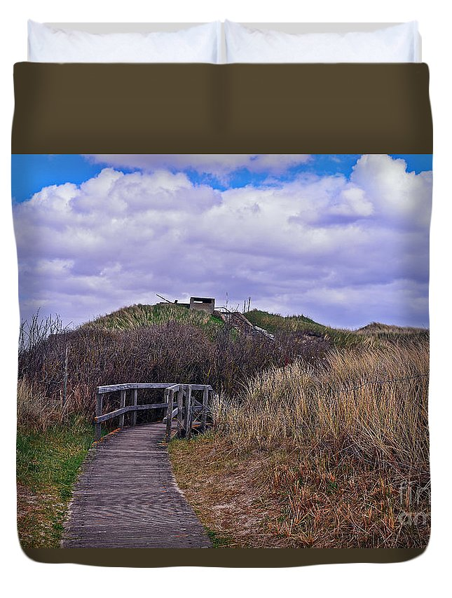 Travel Duvet Cover featuring the photograph Bridge To War by Elvis Vaughn