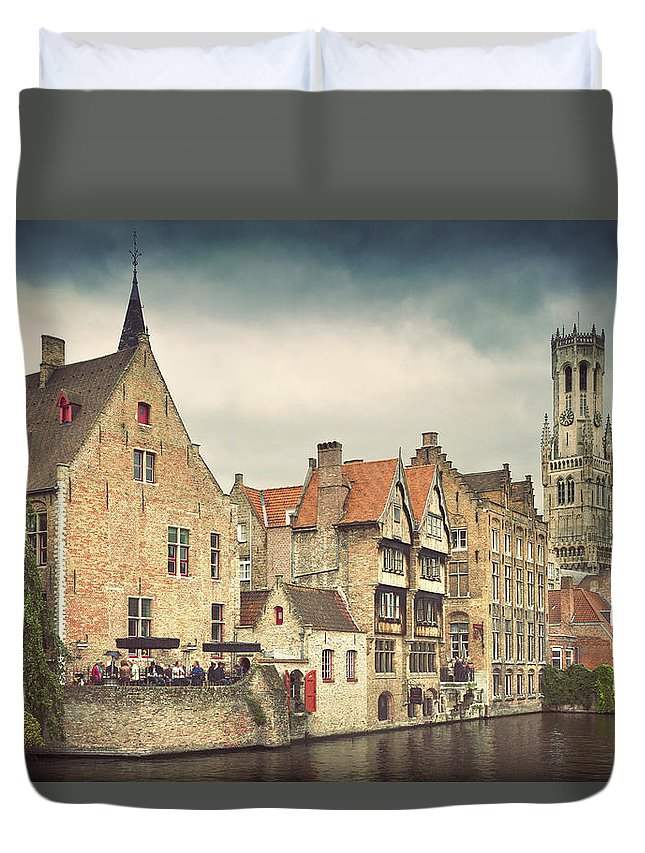 Tranquility Duvet Cover featuring the photograph Brugge by Ellen Van Bodegom