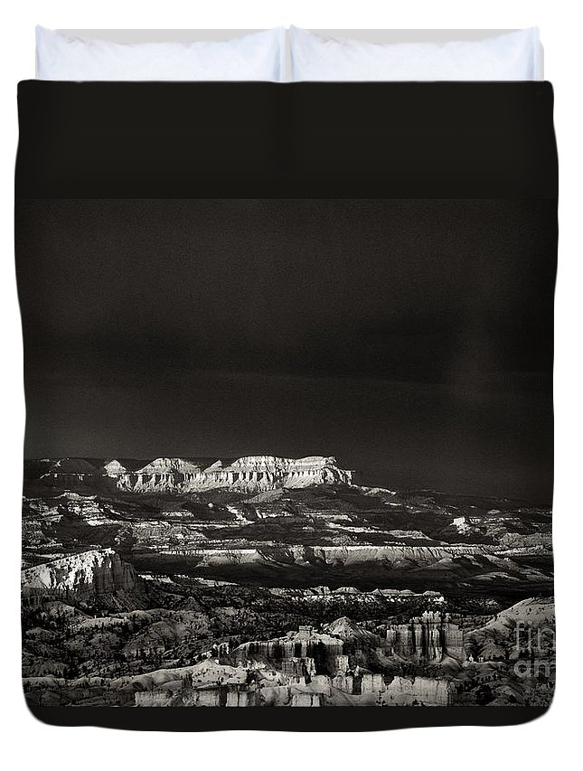 North America Duvet Cover featuring the photograph Bryce Canyon Formations In Black And White by Dave Welling
