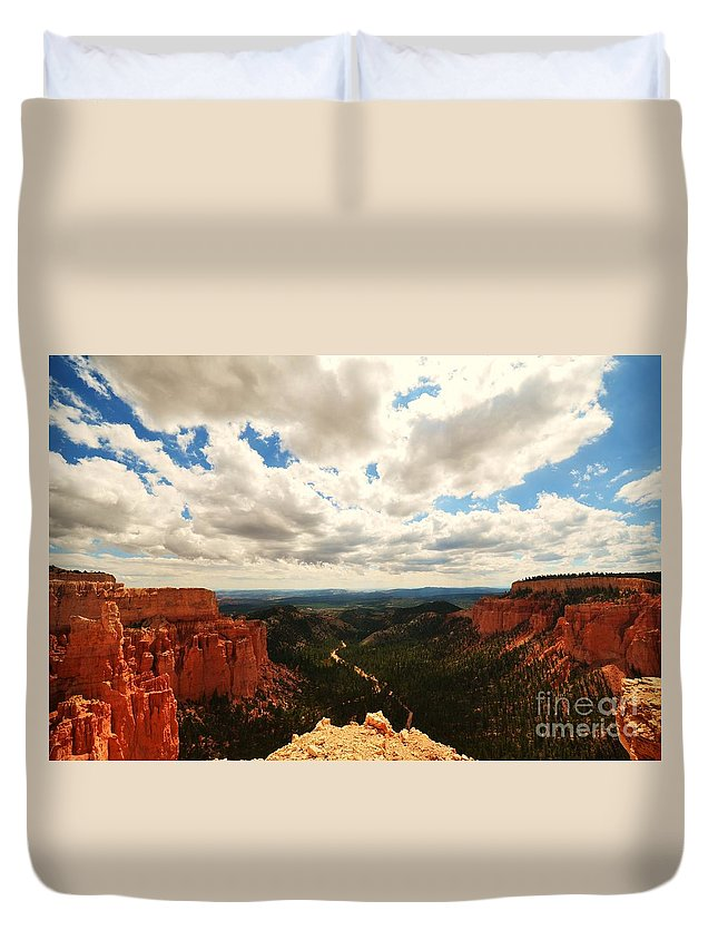 Landscape Duvet Cover featuring the photograph Bryce Horizon by Sean Jungo