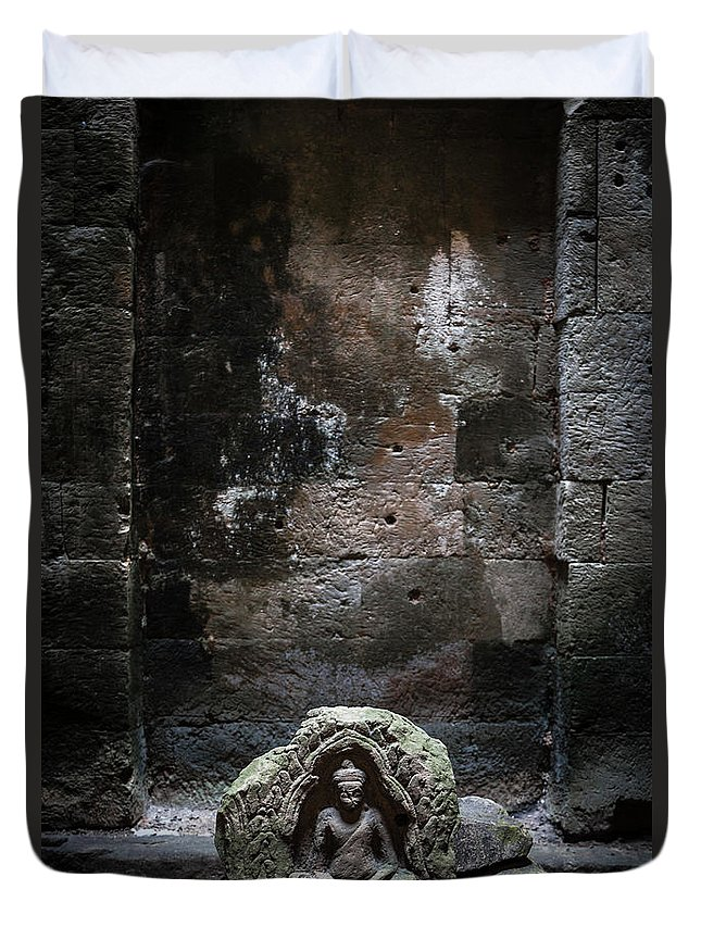 Tranquility Duvet Cover featuring the photograph Budha by Www.sergiodiaz.net