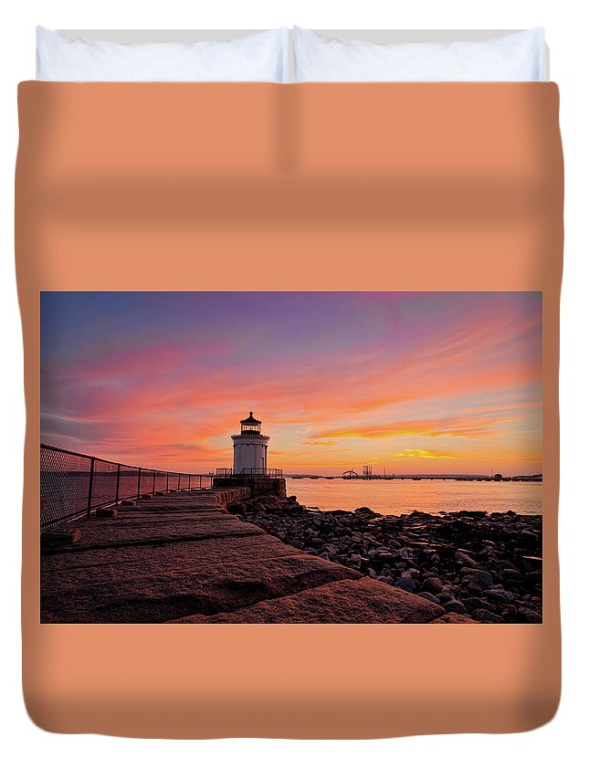 Built Structure Duvet Cover featuring the photograph Bug Light Sunrise 1899 by Www.cfwphotography.com
