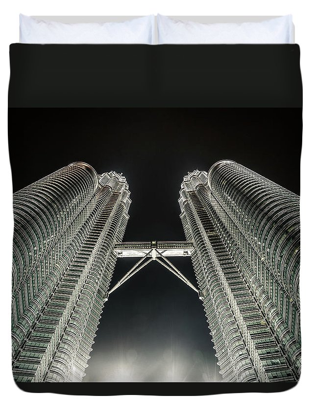 Viewpoint Duvet Cover featuring the photograph Buildings Bridge by Twilightshow