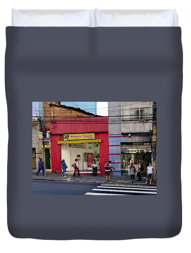 Rua Teodoro Sampaio Duvet Cover featuring the photograph Bus Stop On Rua Teodoro Sampaio by Julie Niemela