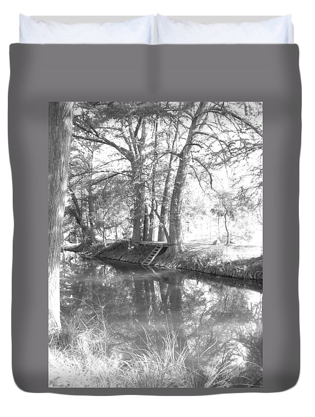 Texas Hill Country Duvet Cover featuring the photograph Bw Swimmin by Laurette Escobar