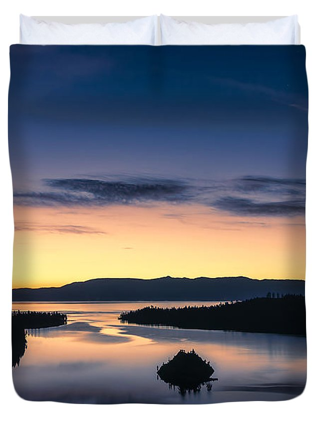 Landscape Duvet Cover featuring the photograph Calm Morning by Maria Coulson
