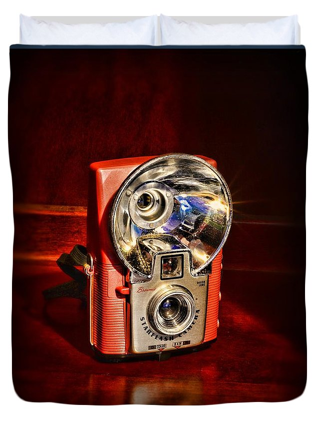 Paul Ward Duvet Cover featuring the photograph Camera - Vintage Brownie Starflash by Paul Ward
