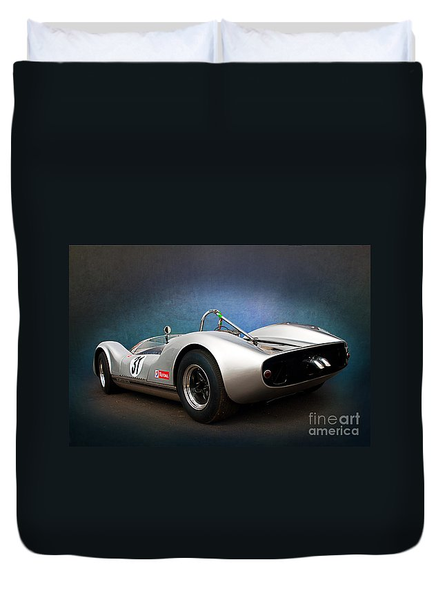 Can-am Duvet Cover featuring the photograph Can-am Mclaren M1a by Stuart Row