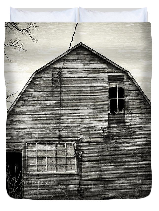 Old Duvet Cover featuring the photograph Canadian Barn by David Hare