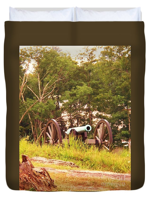 Cannon Duvet Cover featuring the painting Cannon On Culps Hill by Eric Schiabor