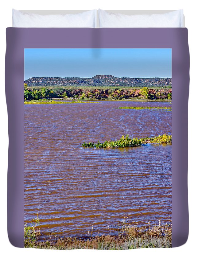 Caprock Canyon State Park Duvet Cover featuring the photograph Caprock Canyon-lake Scenic by Gary Richards