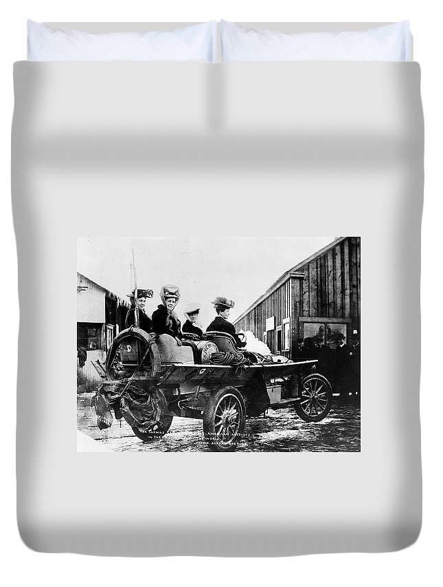 1908 Duvet Cover featuring the photograph Car Race, 1908 by Granger