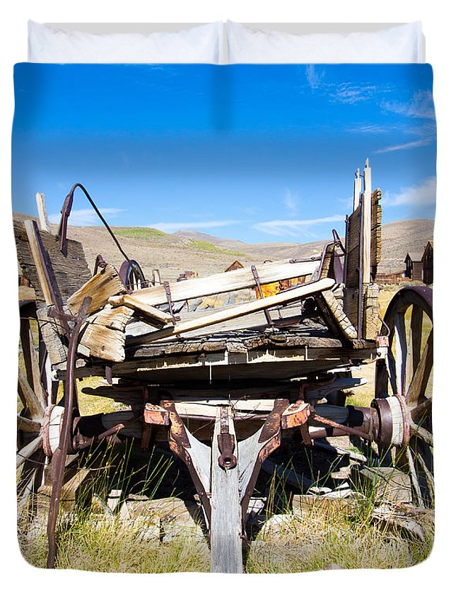 Wagon Duvet Cover featuring the photograph Cart by Nicholas Blackwell