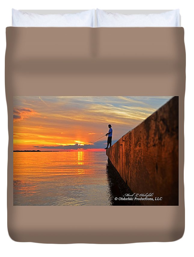 Sunset Duvet Cover featuring the photograph Catching A Navarre Sunset by Mark Olshefski