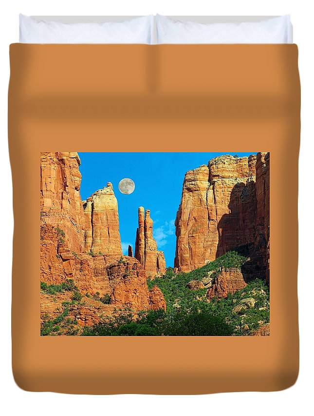 Arizona Duvet Cover featuring the photograph Cathedral Rock Moon by Steve Ondrus