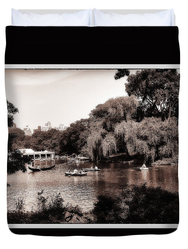 Rowing Duvet Cover featuring the photograph Central Park Rowing - New York City by Madeline Ellis