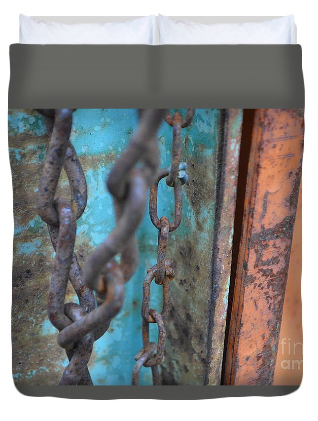 Chain Duvet Cover featuring the photograph Chain Reaction by Brian Boyle