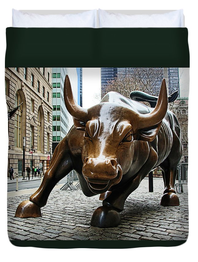 Wall Street Bull Duvet Cover featuring the photograph Charging Bull 1 by Nishanth Gopinathan