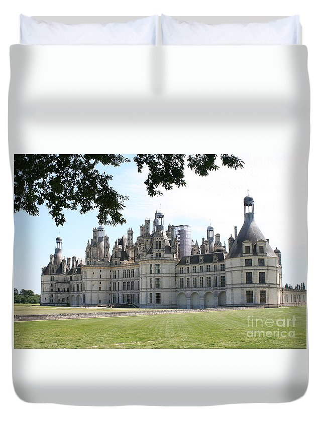 Palace Duvet Cover featuring the photograph Chateau Chambord - France by Christiane Schulze Art And Photography