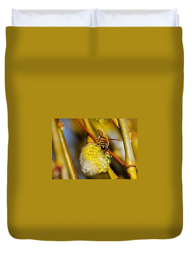 Bee Duvet Cover featuring the photograph Check Out My Beehind by Frozen in Time Fine Art Photography