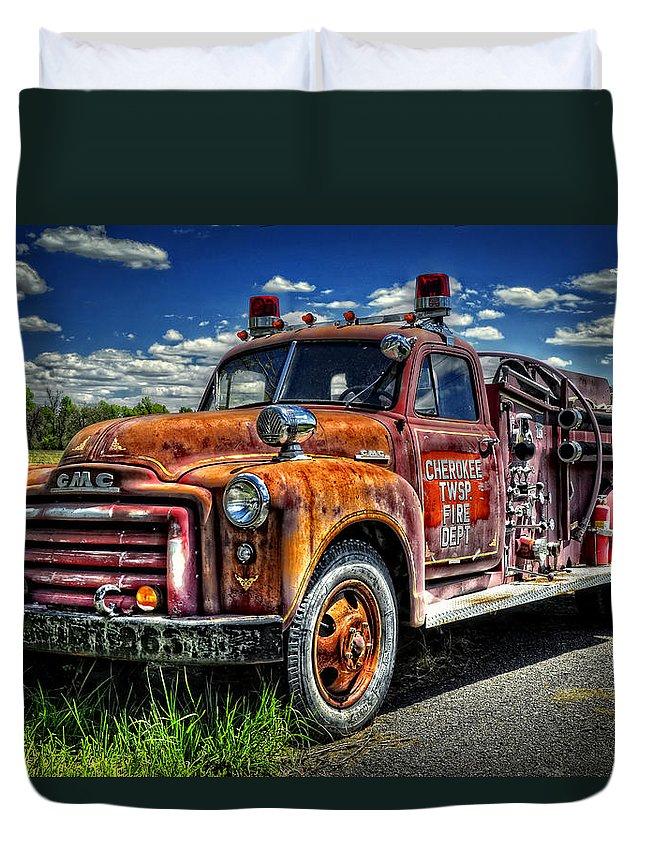 Kansas Duvet Cover featuring the photograph Cherokee Fire Truck by Ken Smith