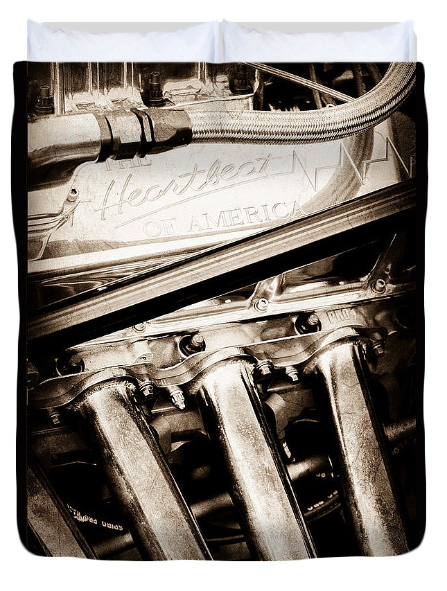 Chevrolet Engine - Heartbeat Of America Duvet Cover featuring the photograph Chevrolet Engine - Heartbeat Of America by Jill Reger