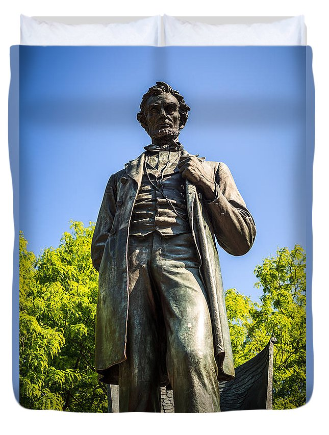 Abraham Duvet Cover featuring the photograph Chicago Lincoln Standing Statue Named The Man by Paul Velgos