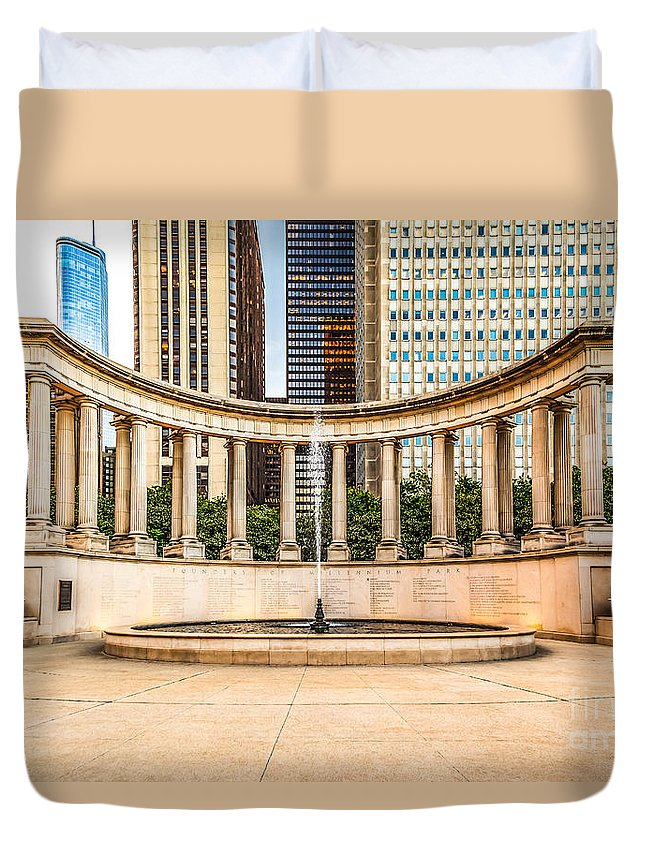 America Duvet Cover featuring the photograph Chicago Millennium Monument In Wrigley Square by Paul Velgos