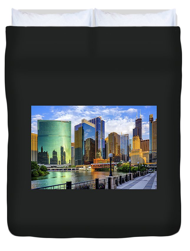 Chicago River Duvet Cover featuring the photograph Chicago River & Willis Tower by Carl Larson Photography