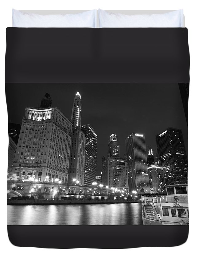 Chicago Duvet Cover featuring the photograph Chicago River At Night Black And White by Cityscape Photography
