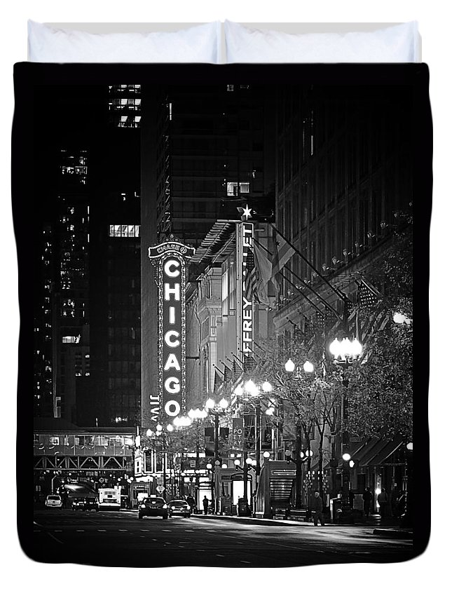Chicago Duvet Cover featuring the photograph Chicago Theatre - Grandeur And Elegance by Christine Till
