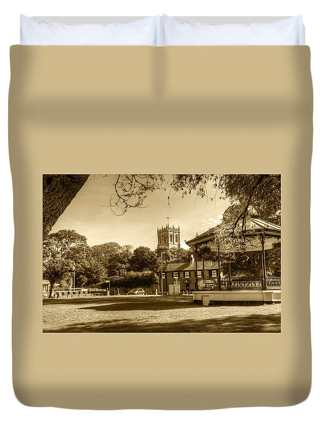 Christchurch Priory Duvet Cover featuring the photograph Christchurch Village Green by Chris Day