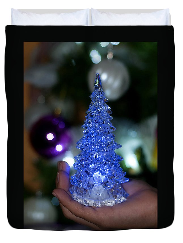 Abstract Duvet Cover featuring the photograph A Christmas Crystal Tree In Blue by Pedro Cardona Llambias