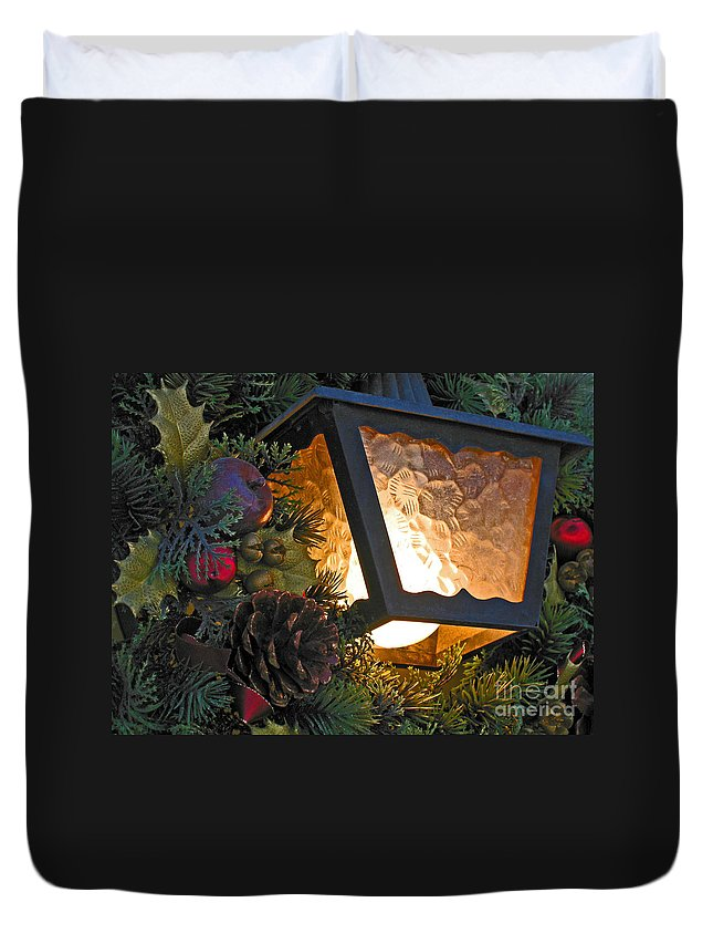 Christmas Duvet Cover featuring the photograph Christmas Welcome by Ann Horn