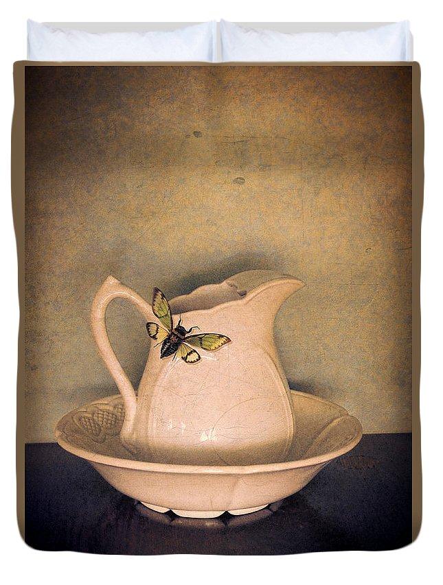 Cicada Duvet Cover featuring the photograph Cicada On Pitcher by Jill Battaglia