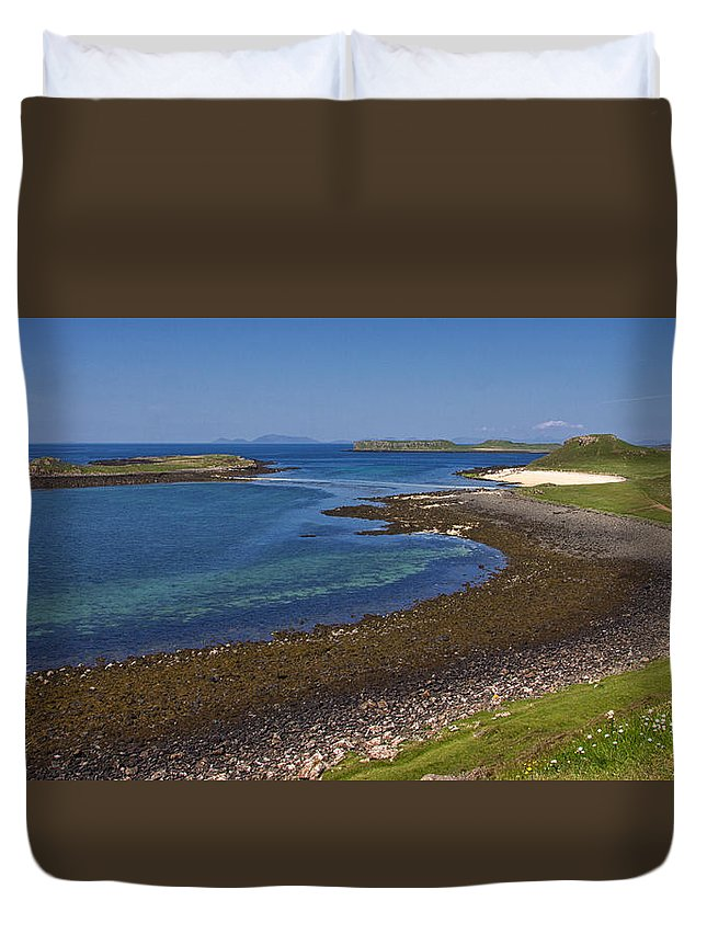 Claigan Duvet Cover featuring the photograph Claigan Coral Beach by David Pringle