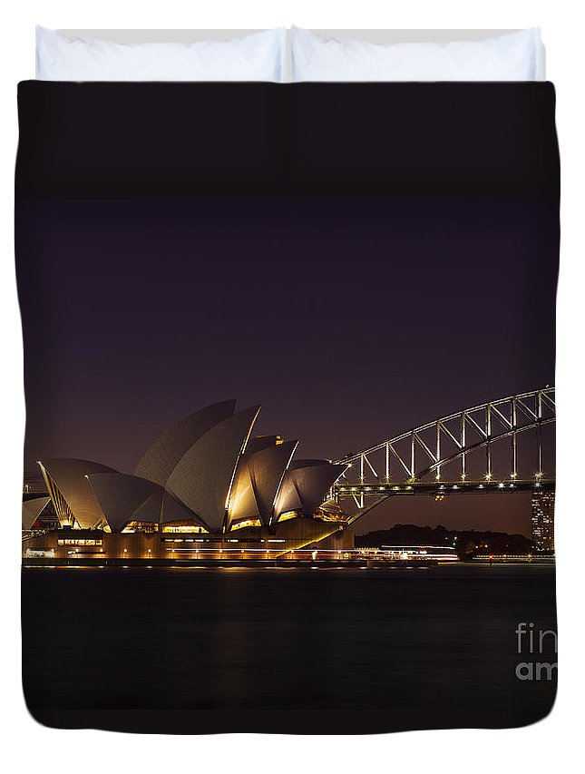 Sydney Duvet Cover featuring the photograph Classic Elegance by Andrew Paranavitana