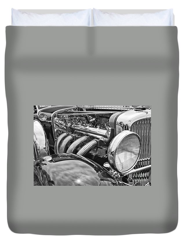 Concours D'elegance Duvet Cover featuring the photograph Classic Engine - Classic Cars At The Concours D Elegance. by Jamie Pham
