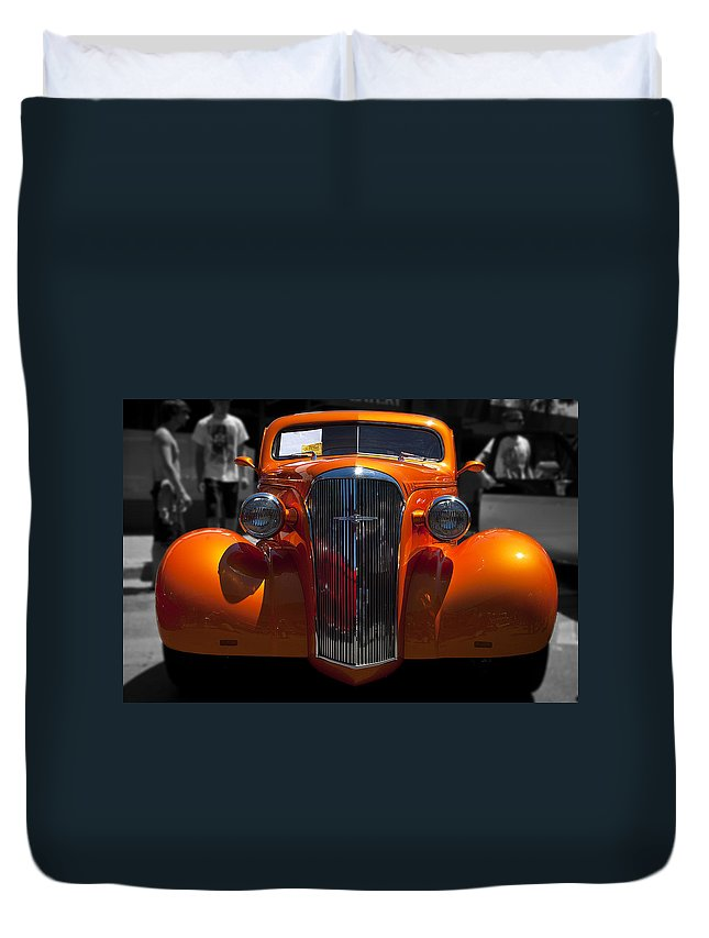Car Duvet Cover featuring the photograph Classy Sassy by Les Lorek