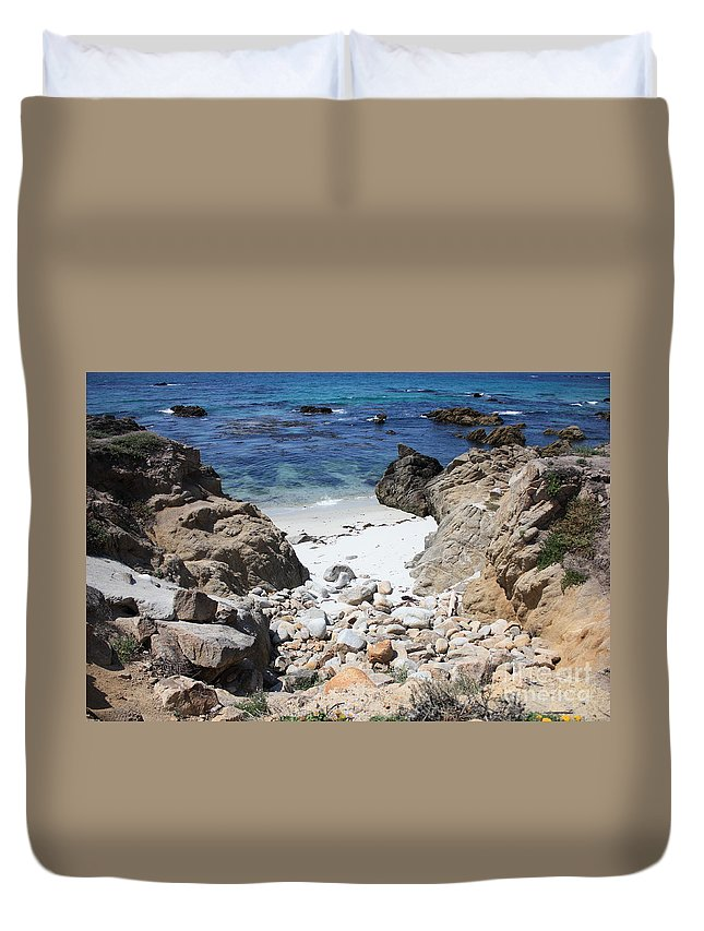 Landscape Duvet Cover featuring the photograph Clear California Cove by Carol Groenen