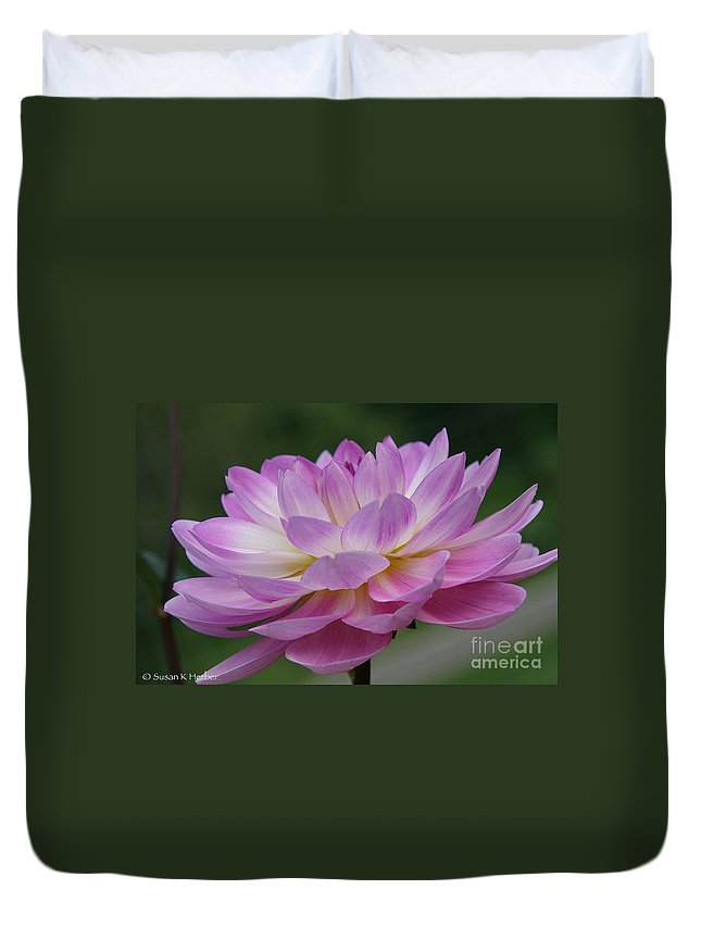 Flower Duvet Cover featuring the photograph Clearly Gorgeous by Susan Herber