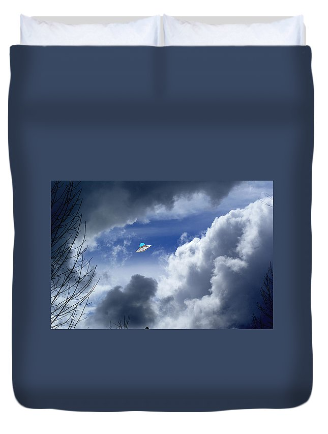 Aliens Duvet Cover featuring the photograph Cloud Surfing by Ben Upham III