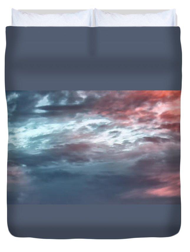 Hawaii Duvet Cover featuring the photograph Clouds 11 by Dawn Eshelman