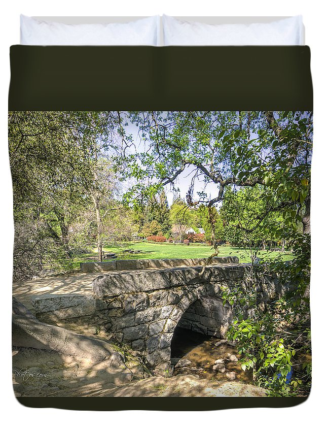 Historic Sites Duvet Cover featuring the photograph Clover Valley Park Bridge by Jim Thompson