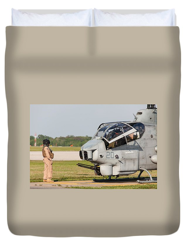 Bell Duvet Cover featuring the photograph Cobra Cooldown by John Ferrante