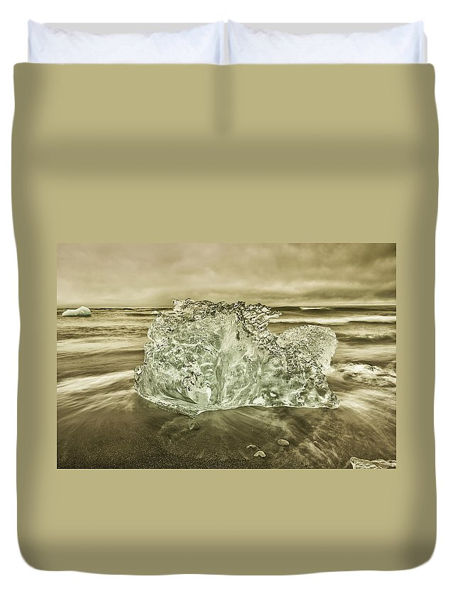 Iceberg Duvet Cover featuring the photograph Cold Days by Greg Wyatt