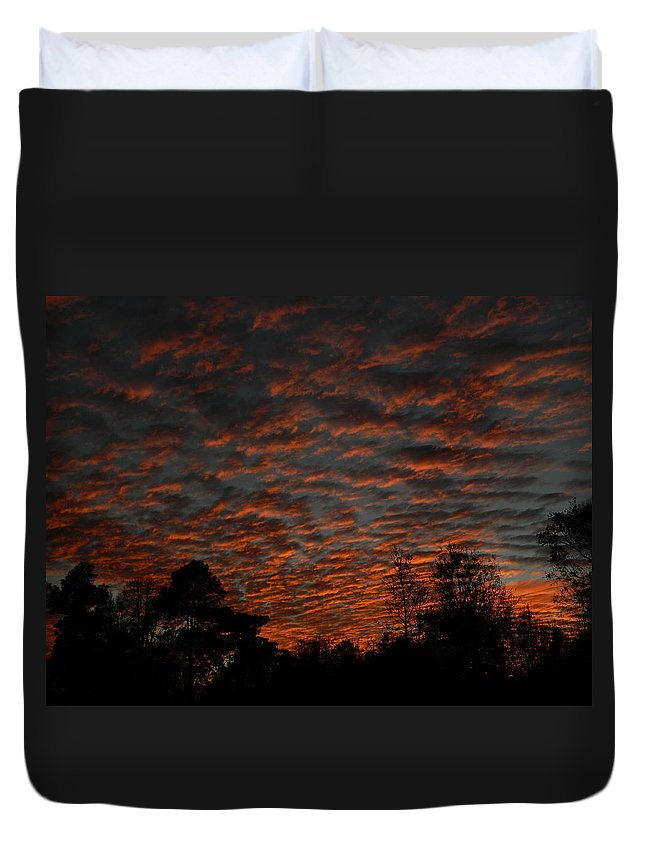 Sun Duvet Cover featuring the photograph Colorful Sky Number 7 by George Pedro