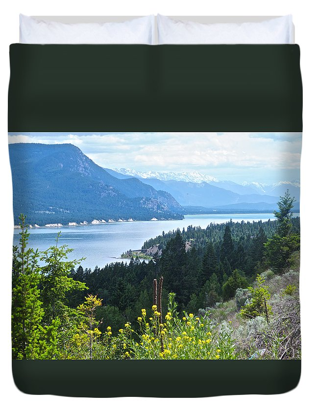 Columbia Lake Duvet Cover featuring the photograph Columbia Lake Which Is Source Of The Columbia River-bc by Ruth Hager